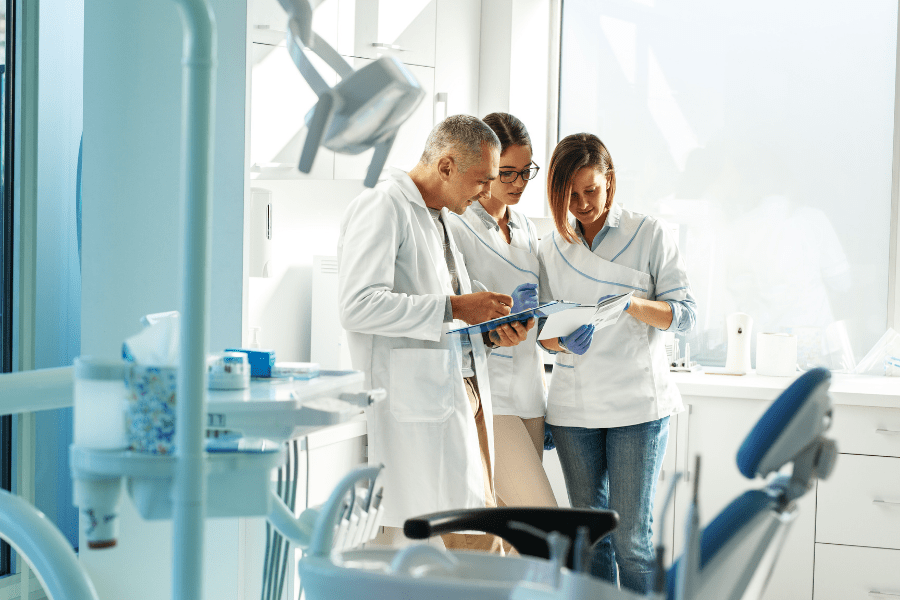 5 Mistakes Dentists Make to Fall Behind the Competition